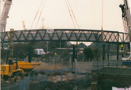 Building of the Hairpin Bridge