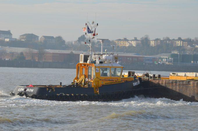 SWS BREDA pushing barges | Jack Willis