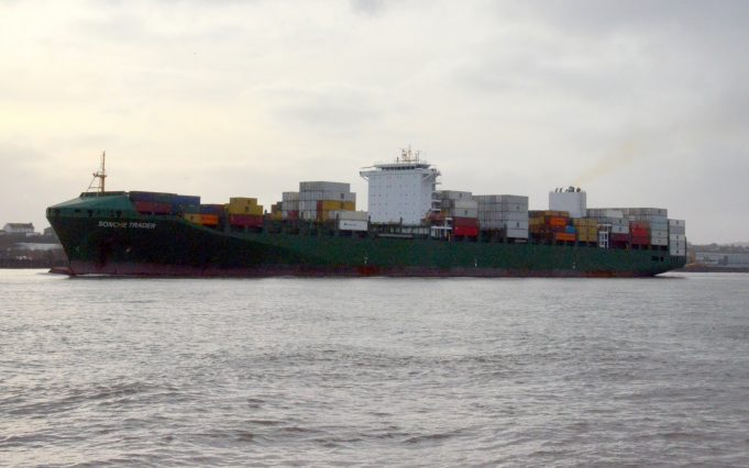 SONCHE TRADER leaving the Thames | Jack Willis