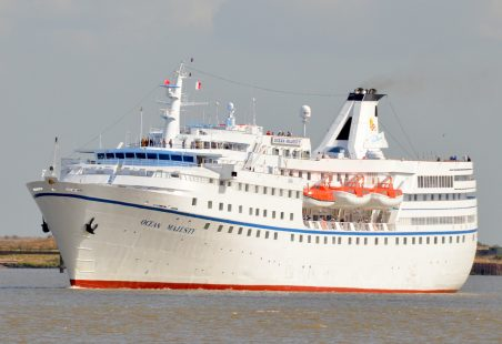 OCEAN MAJESTY passing Tilbury