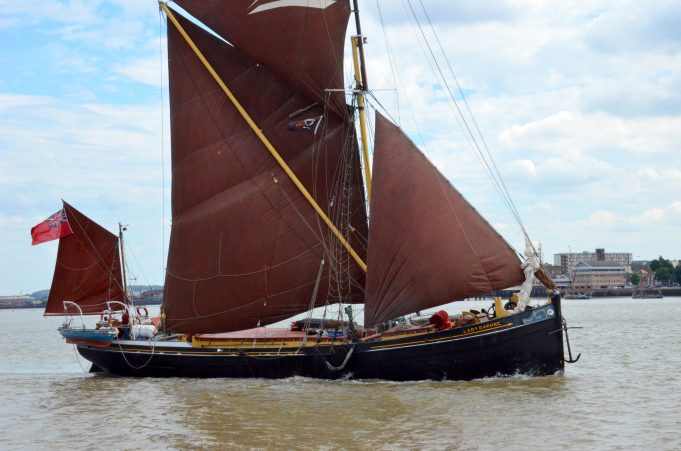 LADY DAPHINE arriving for barge race | Jack Willis