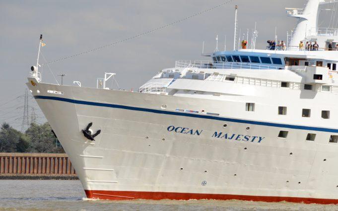 OCEAN MAJESTY passing Tilbury | Jack Willis