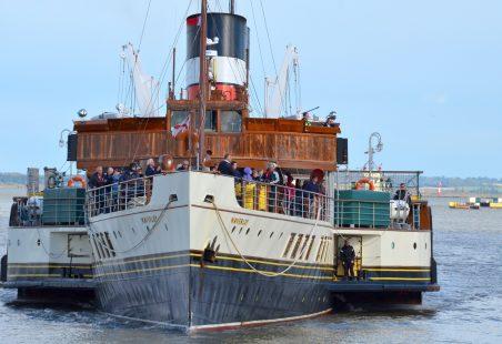 WAVERLEY berthing at Gravesend