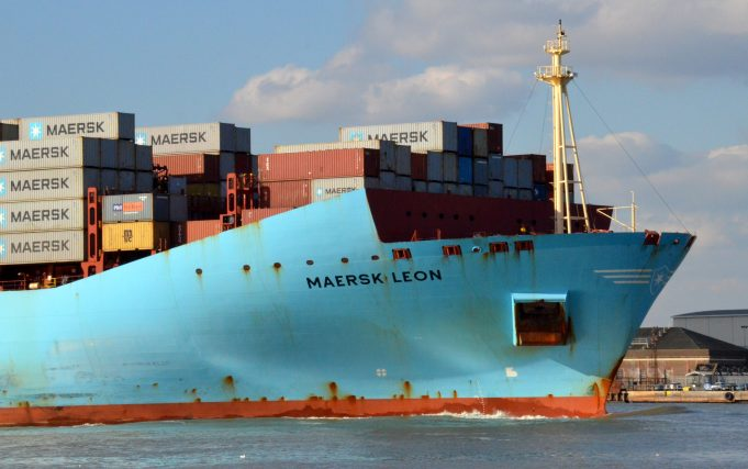 MAERSK LEON leaving the Thames | Jack Willis