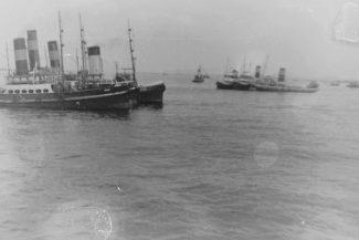 Group of tugs Tilbury   Vic Sutcliffe