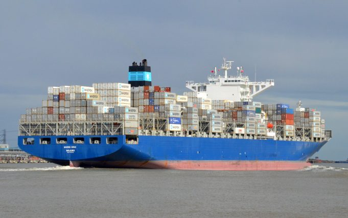 MAERSK SIRAC leaving the Thames | Jack Willis