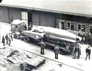 Bluebird in Tilbury Docks: 1958