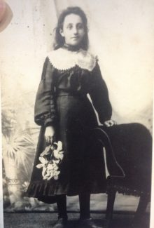 This is a photo of a young Minnie. We think it may have been while she was living at 23 Melbourne road.