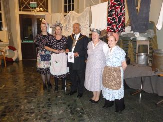 Tea ladies with Mayor Yash Gupta MBE
