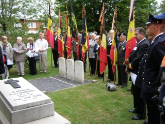 Gathered round the CWG headstones | Gil Geerings