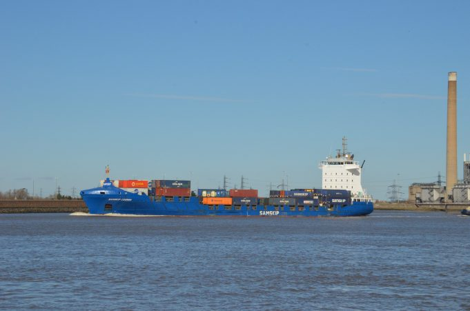 SAMSKIP COURIER on the Thames | Jack Willis