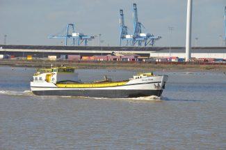POLLA ROSE leaving Tilbury | Jack Willis
