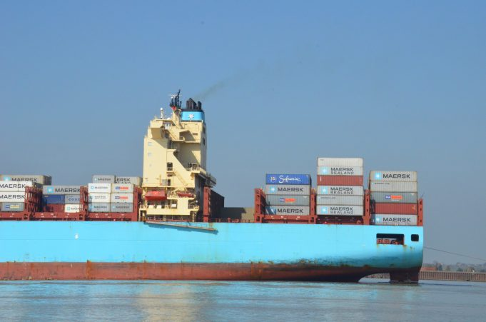 MAERSK LAVRAS in the river | Jack Willis