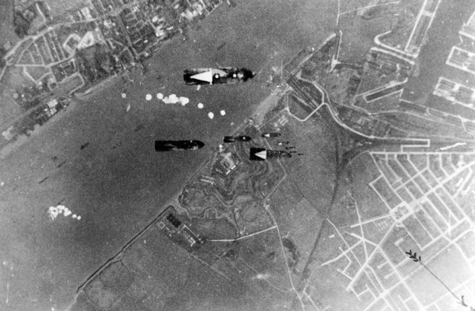 Bombs on Tilbury