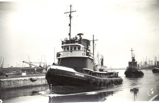 VANQUISHER in Tilbury Docks in 1964 | Jack Willis