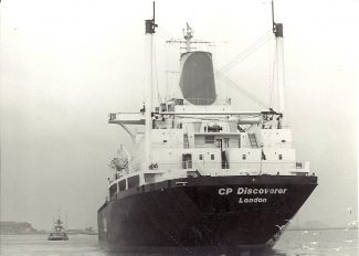 C P DISCOVERER leaving Tilbury.   Jack Willis