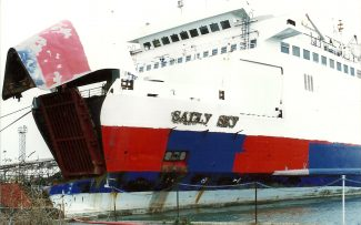 SALLY SKY in Tilbury | Jack Willis