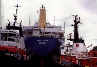 STAR EAGLE in the locks. | Jack Willis