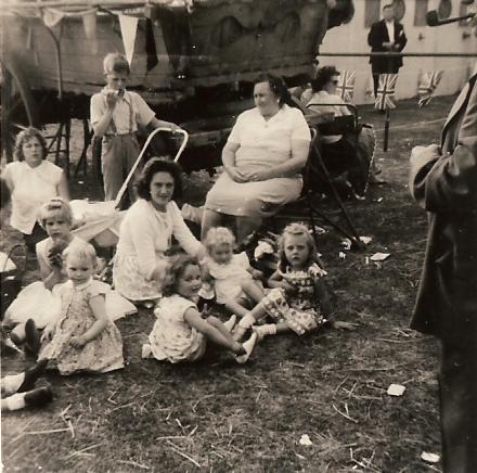 Medlock's Mum and family | Bibby Family