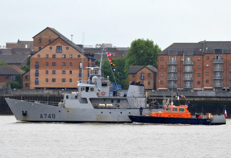 3 FRENCH NAVAL VESSELS