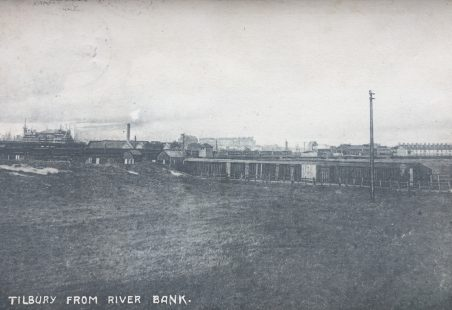 1904 postcard looking at Tilbury from the river bank